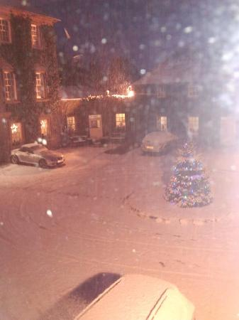 BEST WESTERN Moffat House Hotel: courtyard