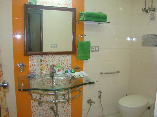 Shalum Bed and Breakfast: Bathroom