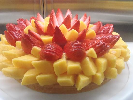 Berry cafe: Strawberry Mango fruit tart- a LOT of fruit and DELICIOUS