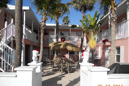 Inn on the Beach: Perfect for AM or PM coffee and a book