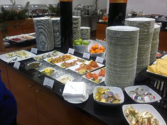InterContinental Hotel Warsaw: Buffet breakfast