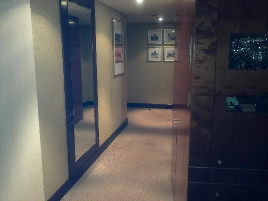 InterContinental Hotel Warsaw: Room 3401 entrance