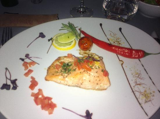 InterContinental Hotel Warsaw: Salmon dish in restaurant