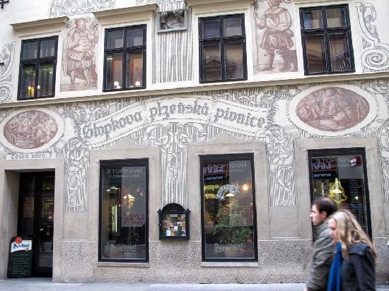Stopkova Plzeňská Pivnice: esterno del locale
