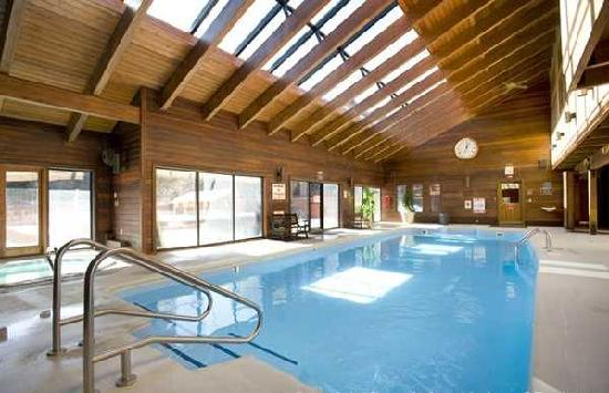 Mountainside Condos: clubhouse - inside pool