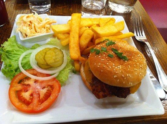 ellis island cafe: bacon cheese burger