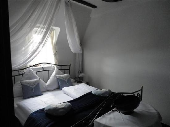 Villa Kronenburg: other room example