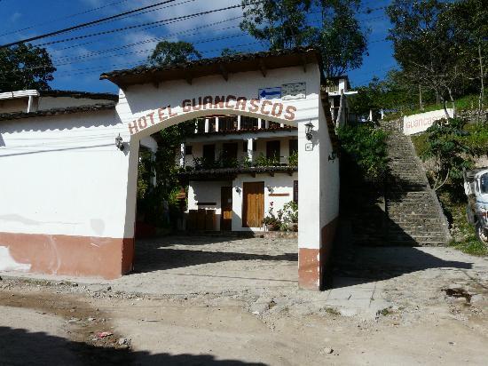 Hotel & Restaurant Guancascos: Hotel entrance