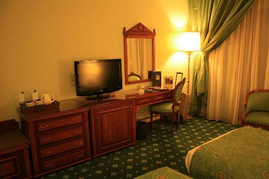 Golden Tulip Serenada Hotel Hamra: Room View 2