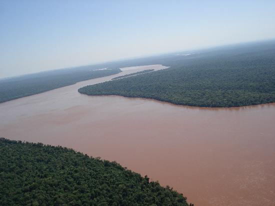 Helisul Táxi Aéreo Voos Panorâmicos : O rio das Cataratas...