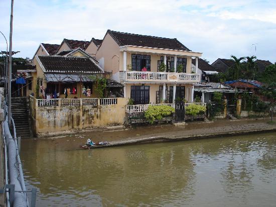 Huy Hoang River Hotel: von Brücke aufgenommen