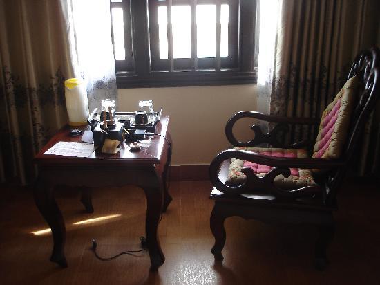 Huy Hoang River Hotel: Sitzecke 214