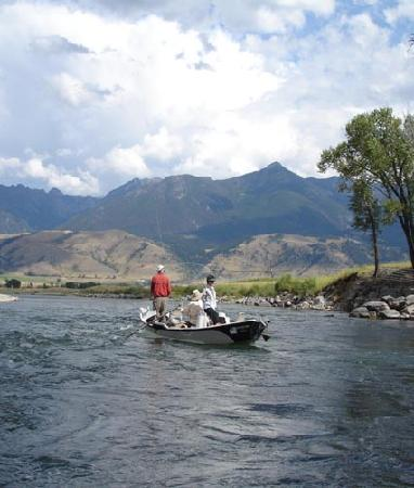 Gallatin River Lodge: Yellowstone River