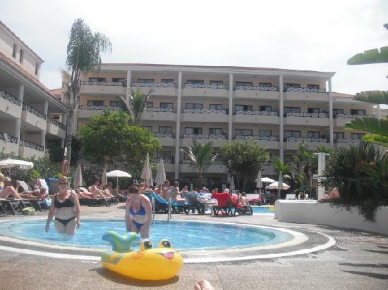 Aparthotel Parque De La Paz: Pool again