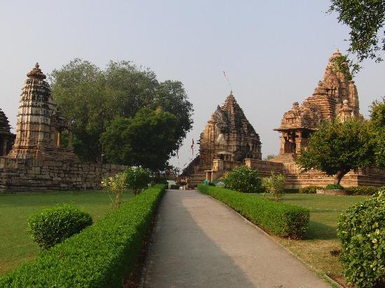 วัดขจุราโห: Tempelanlage