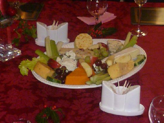 Cherry Tree House Hotel: just a cheese board