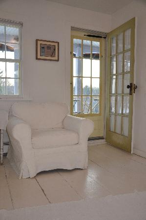Woodstock Country Inn: The White Room