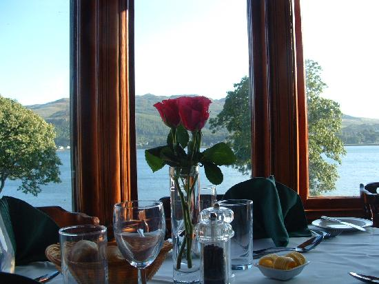 Lochside Restaurant Craigard House Hotel: Elegant restaurant overlooking Campbeltown Loch, specialising in local Seafood, shellfish, meat,