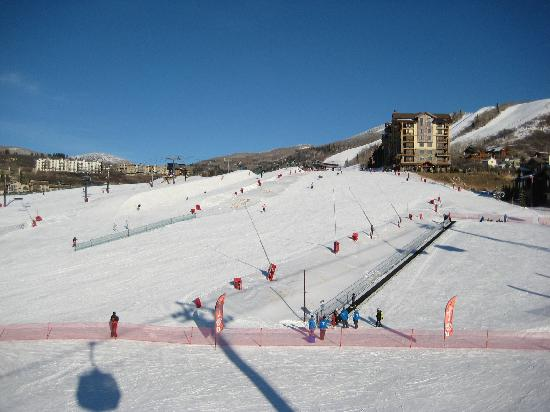 Edgemont Condominiums: looking up slopes from main ski area (Edgemont on right)