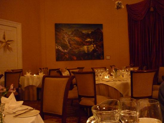 Coul House Hotel: The dining room in a quiet moment