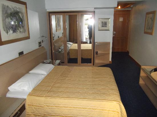 Centrotel Hotel : Our Room