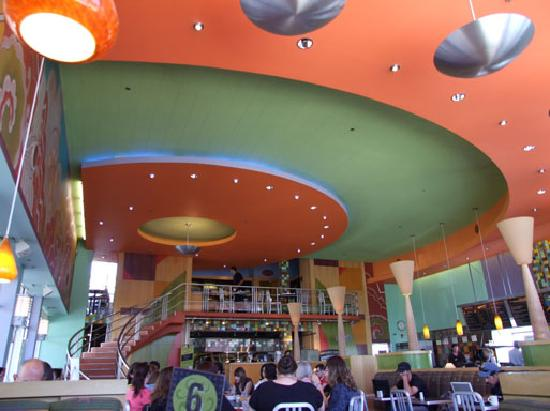 Flying Star Cafe - Downtown: Is that George Jetson over there?
