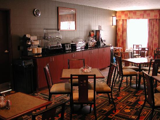 Comfort Inn Traverse City: enjoy our free hot breakfast buffet