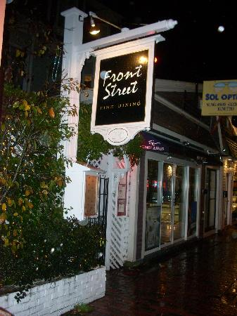 Front Street Restaurant: The location on Commercial Street makes Front Street very handy to tourists and residents alike.