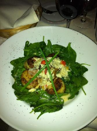 Claire's at the Depot: delicious scallops