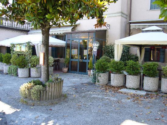 Riviera dei Dogi Hotel : La trattoria située à côté de l'hôtel