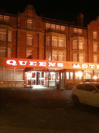 Queens Hotel: Front View