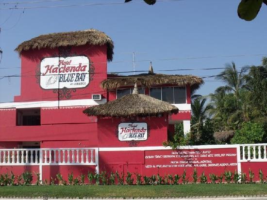Hotel Hacienda Blue Bay: Frente del hotel