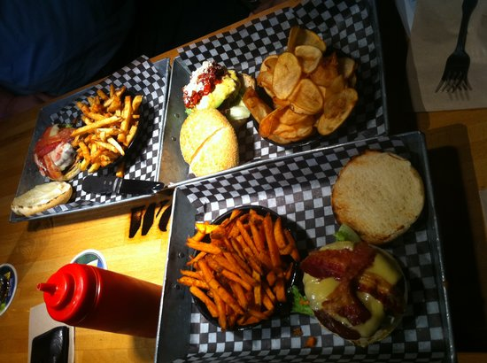 The Works Gourmet Burger Bistro : Outstanding Burger Platter Presentation!