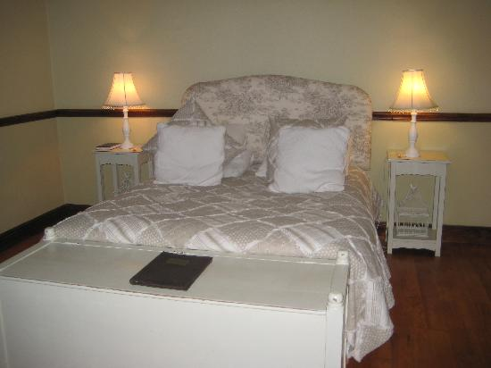 Berluda Farmhouse & Cottages: Our Room