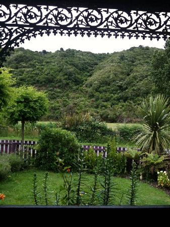Fernview Cottage Bed & Breakfast: View from the sitting room