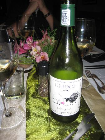 "Berluda Farmhouse & Cottages: Dining at the Berluda with ""Shy Sheep"" wine"