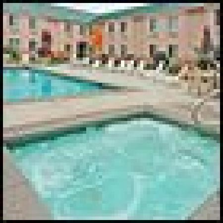 Sleep Inn: Pool and Hot Tub