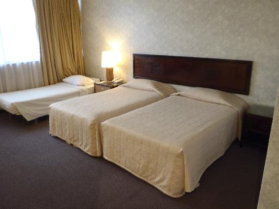 Hotel Royal Singapore: トリプル利用 Exベッドを入れても十分な広さでした