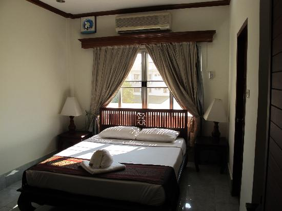 Aroon Residence Vientiane : Double Room @ Aroon Residence Hotel