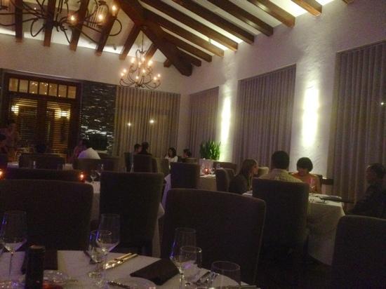 Zafra Restaurant : Inside Restaurant