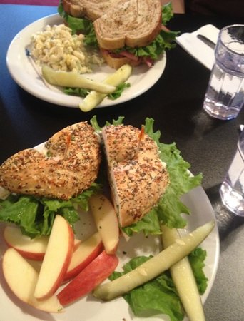 Pacific Grind Cafe : two sandwich plates; one with the Mac salad and the other with apple slices