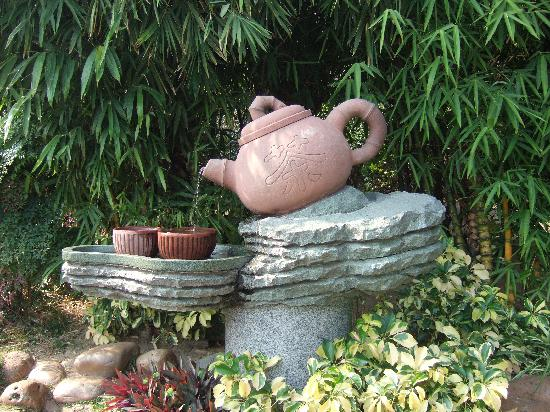 Yuntai Garden: Tea Pot Fountain