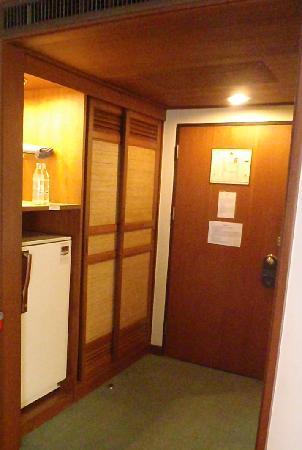 هانسا جيه بي هوتل: refrigerator in supeprior room