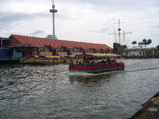 Christ Church: 運河観光はここが出発です