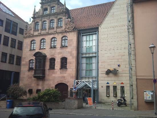 Nuremberg Toy Museum (Spielzeugmuseum): おもちゃ博物館外観