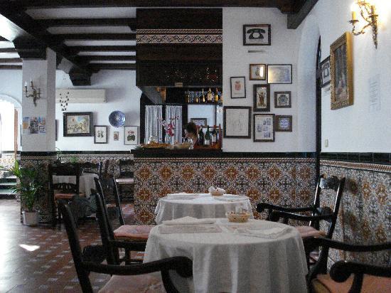 هوتل إلكونفينتو: Breakfast Area