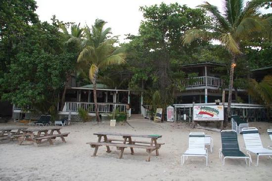 Myett's Garden Inn: Myett's from the beach