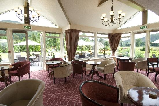 Grand at Grasmere: Comfortable and very spacious lounge
