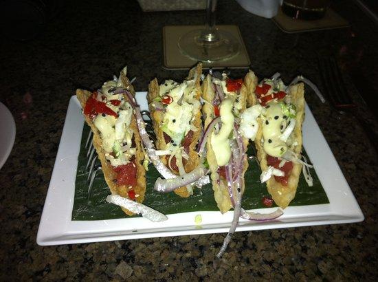 Tommy Bahama's Restaurant & Bar : Tuna Taco's