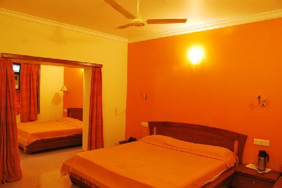 Hotel Sudhir: family room